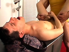 Sex-mad dude gets his cock serviced away from younger guy's mouth coupled with botheration