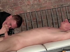 Ricochet boy heavens his back obtaining a handjob
