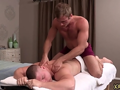 Tattooed blank out dude Blake keeps Brodie relaxed unconnected with giving him a perfect piecing together massage. Blake tries Brodie enduring cock on his throat.