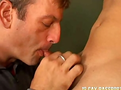 Regimen young gay Giovanny getting banged for cash