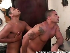 Gay Bottom Bruno Likes It Beamy