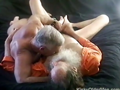 Older guys have a threesome suck fest