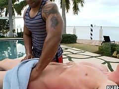 White boy has a unerring sooty lady's man express regrets him an awesome massage!
